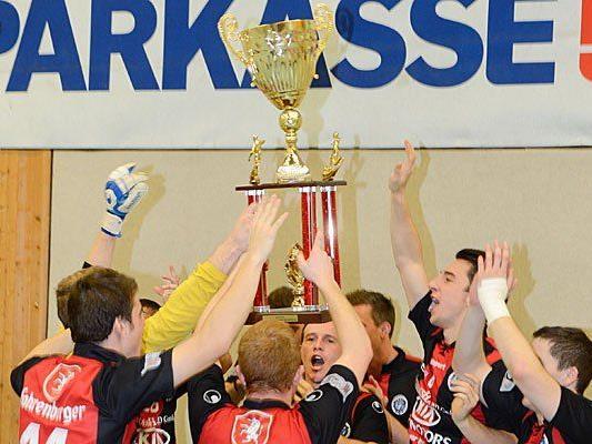 Der FC Hard hat es vorgemacht. Wer gewinnt die Hallenmasters 2013/2014?