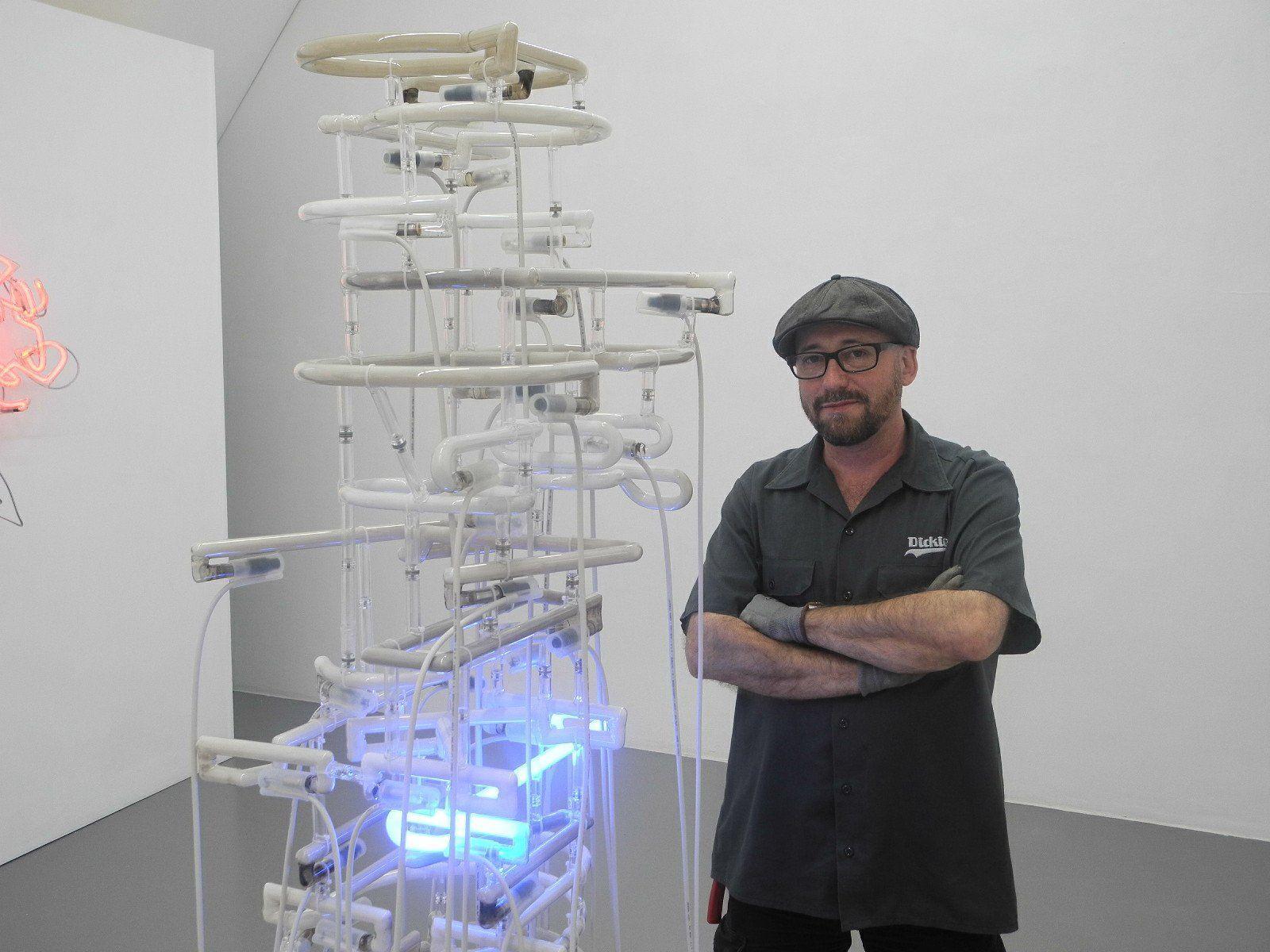 Der internationale Künstler Boris Petrovsky mit seinem