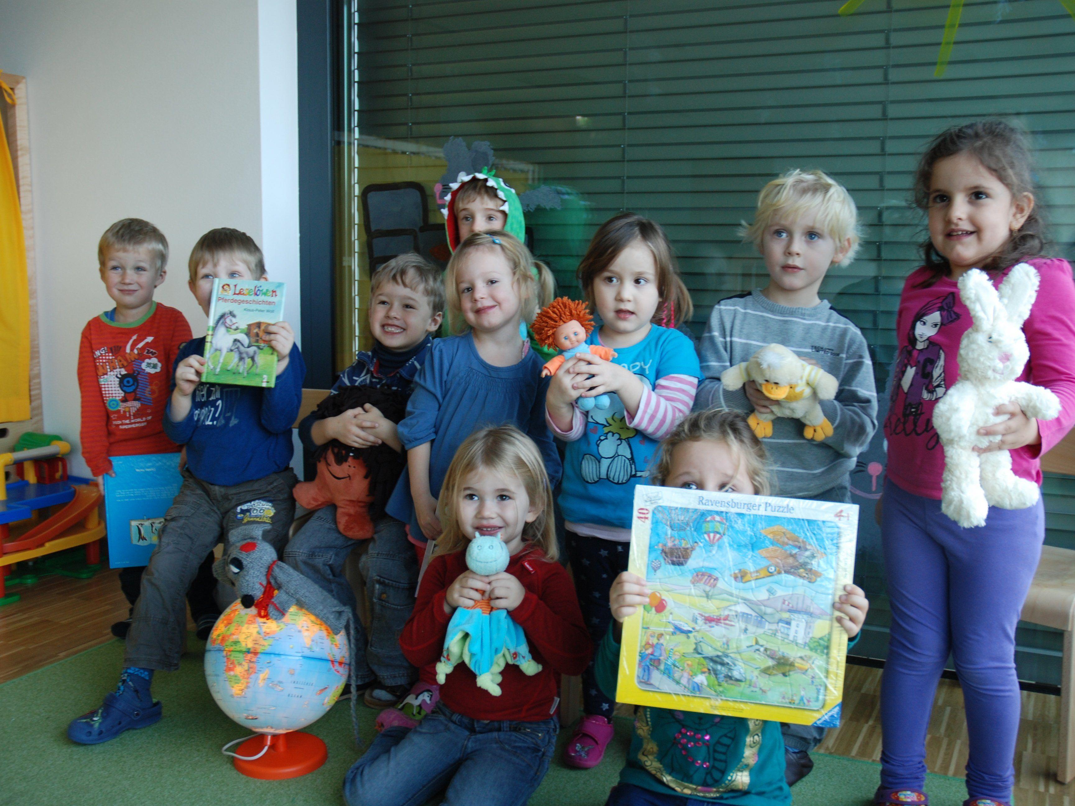 """Kindergartenkinder der """"Mäusegruppe"""" des Kindergartens am Landeskrankenhaus Feldkirch zeigen ein großes Herz für weniger begünstigte Menschen."""