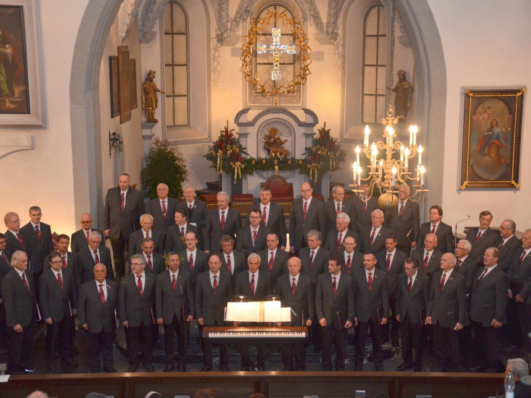 Der Männerchor Liederkranz Rankweiler zauberte eine weihnachtliche Stimmung in die Rankweiler Basilika.