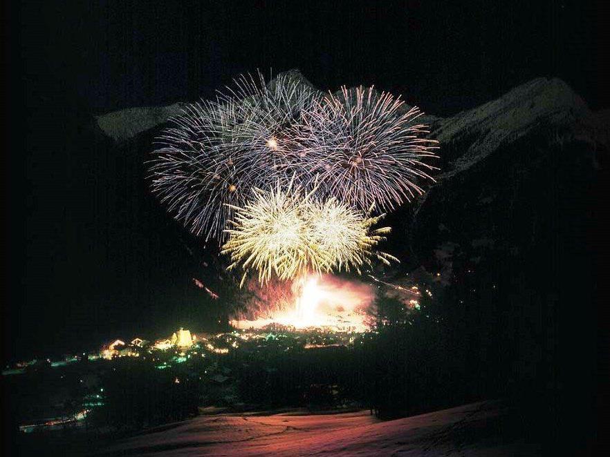 Am 1. Jänner findet das bereits traditionelle zweiteilige Neujahrs-Alpen-Klangfeuerwerk bei der Talstation der Valisera Bahn statt.