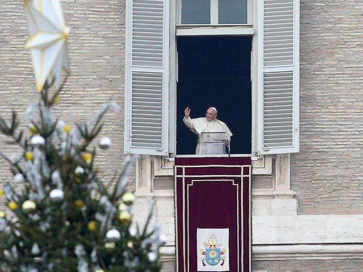 Papst Franziskus wird am Heiligen Abend seine erste Christmette abhalten.