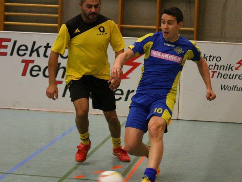 Wolfurt-1b-Kicker Manuel Konrad gewann mit seiner Mannschaft alle vier Spiele und stieg in die Finalrunde auf.