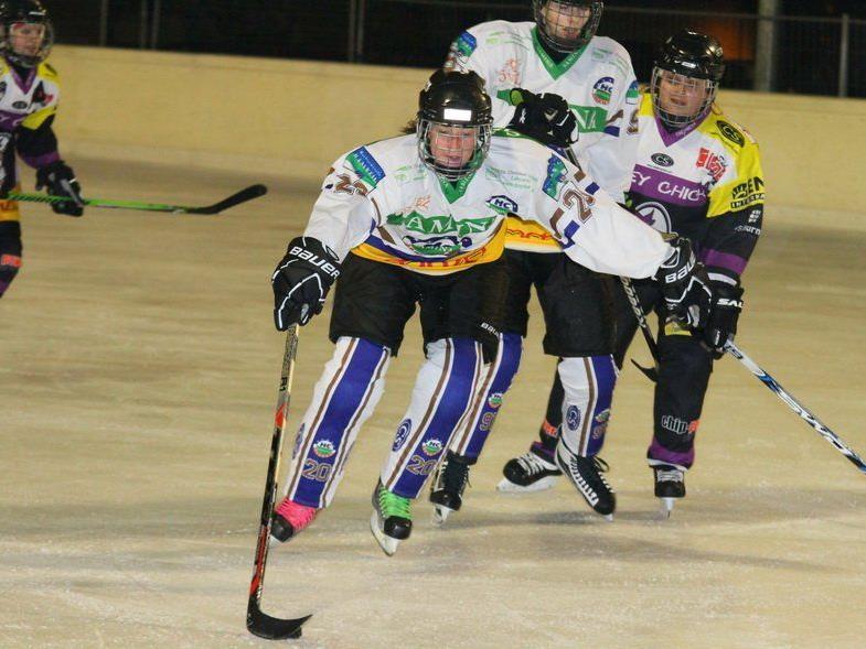 Zweiter Heimsieg für die HC Rankweil Ladies. Rossi und Co. feierten gegen Silz einen 4:3-Erfolg.