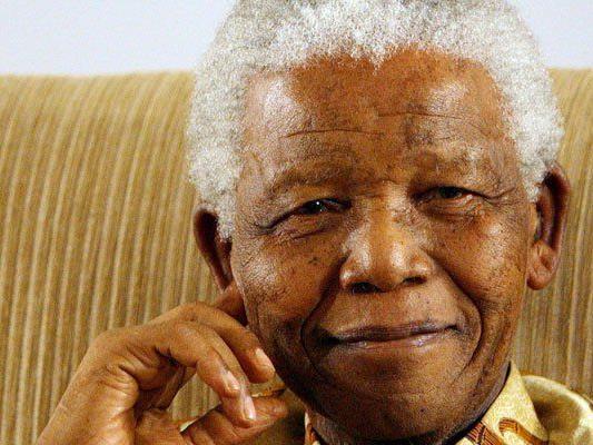Nelso Mandela erhielt Waffen- und Sabotagetraining vom israelischen Geheimdienst Mossad.