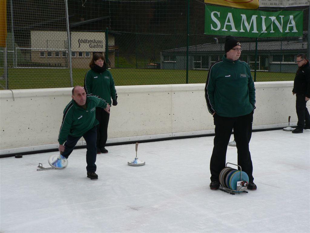 Bereits zum 19. Mal findet in Rankweil ein internationales Eisstockturnier mit Teilnehmern aus drei Nationen statt.