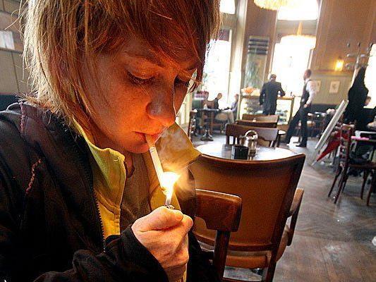 """Die rot-schwarze Koalition plant die """"Reparatur"""" des Tabakgesetzes."""