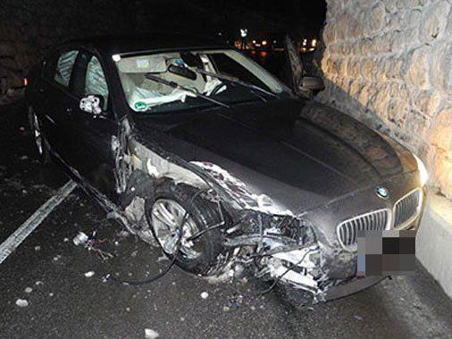 Am Fahrzeug entstand Totalschaden