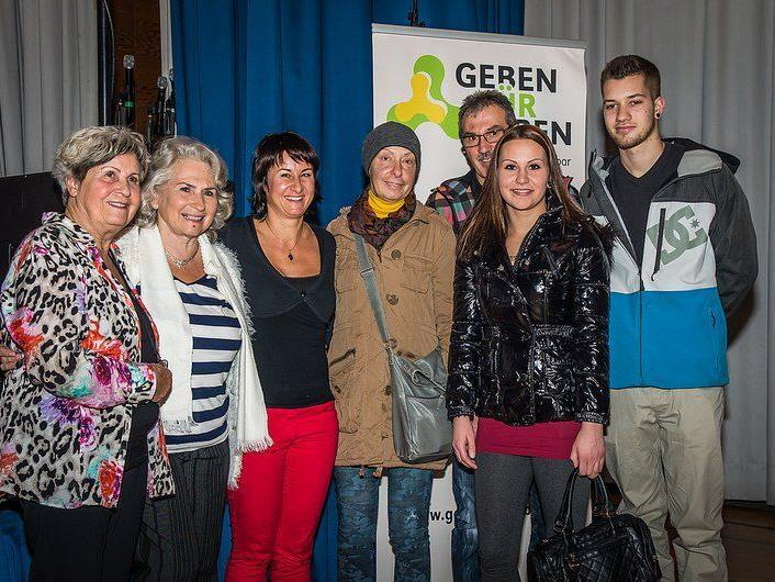 Verein Geben für Leben Obfrau Susanne Marosch (dritte von links) erhielt 2100 Euro.