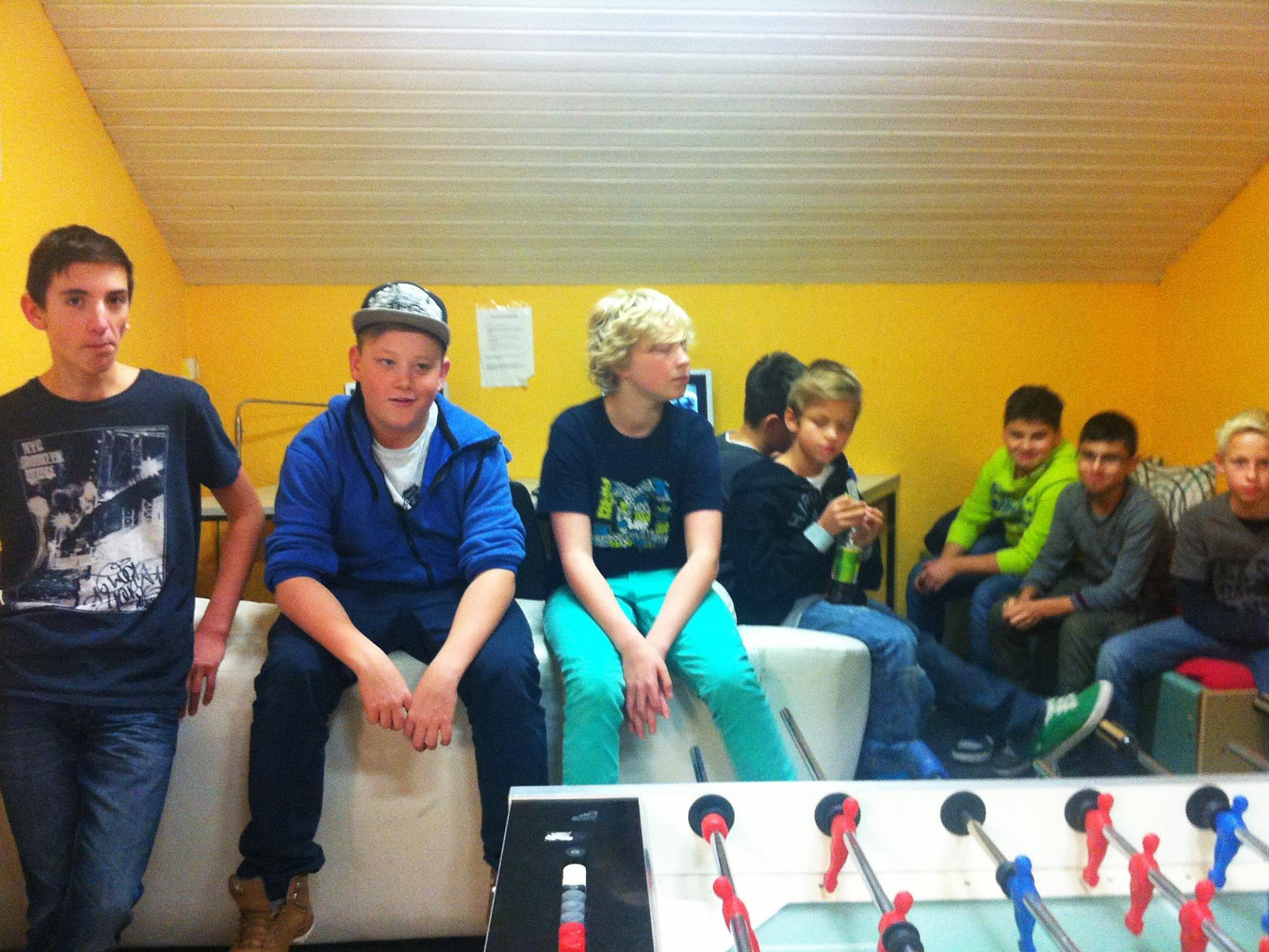 """Besprechung der Vorgangsweise im Höchster Jugendraum """"chillout"""""""