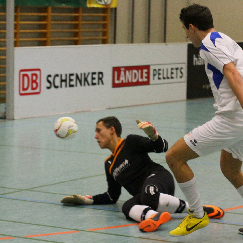 Hohenems Torjäger Deni Gluhacevic blieb mit seiner Mannschaft neun Mal ungeschlagen und schafft den Masters-Einzug.
