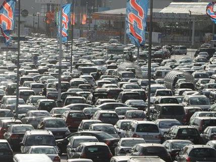 Pkw-Einbrüche auf SCS-Parkplatz rasch geklärt