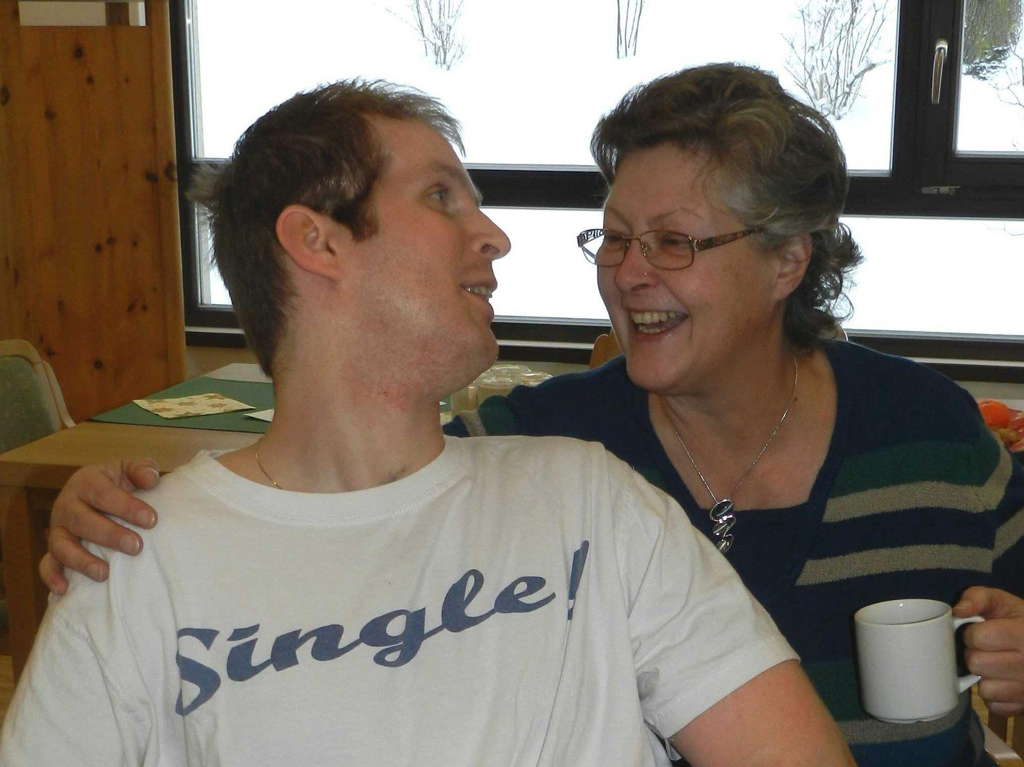 Der lange Weg zurück: Peter Finder mit Mutter Elke