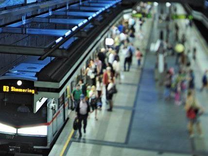 Die Stationen wurden vorübergehend evakuiert.