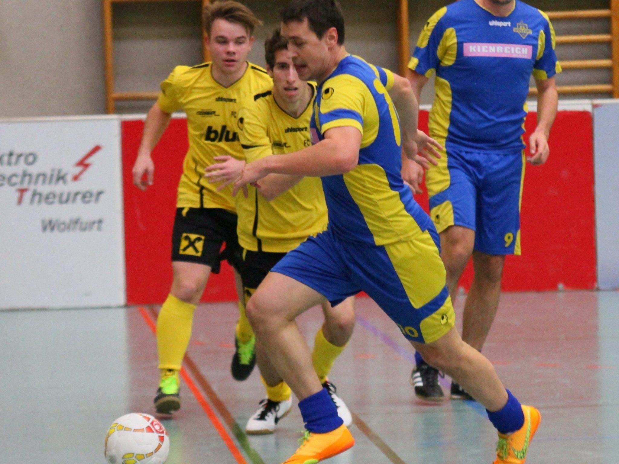 Wolfurt-1b-Kicker Manuel Konrad gewann mit seiner Mannschaft alle neun Spiele und stieg in die Masters-Vorrunde auf.