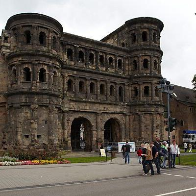 Porta Nigra fast 2.000 Jahre alt