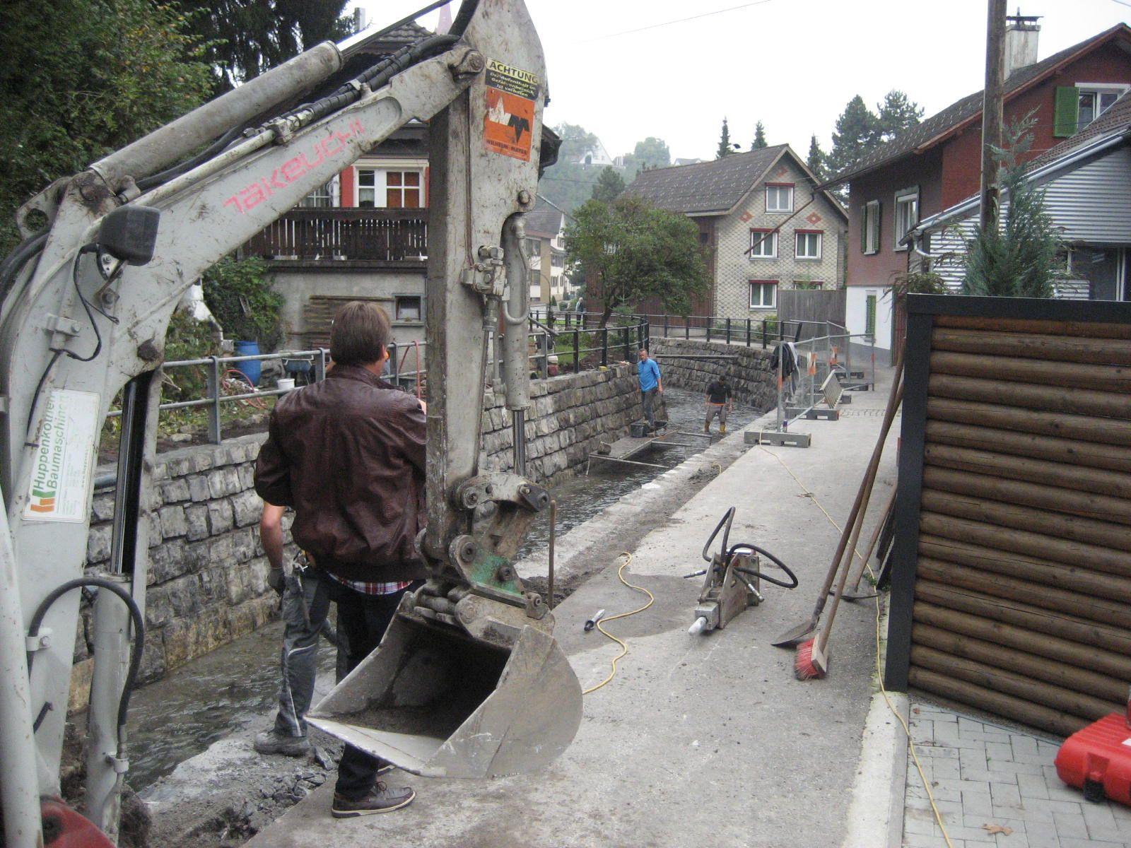 Mit der Ufersanierung erfolgt auch der Ausbau des Radweges an der Nafla