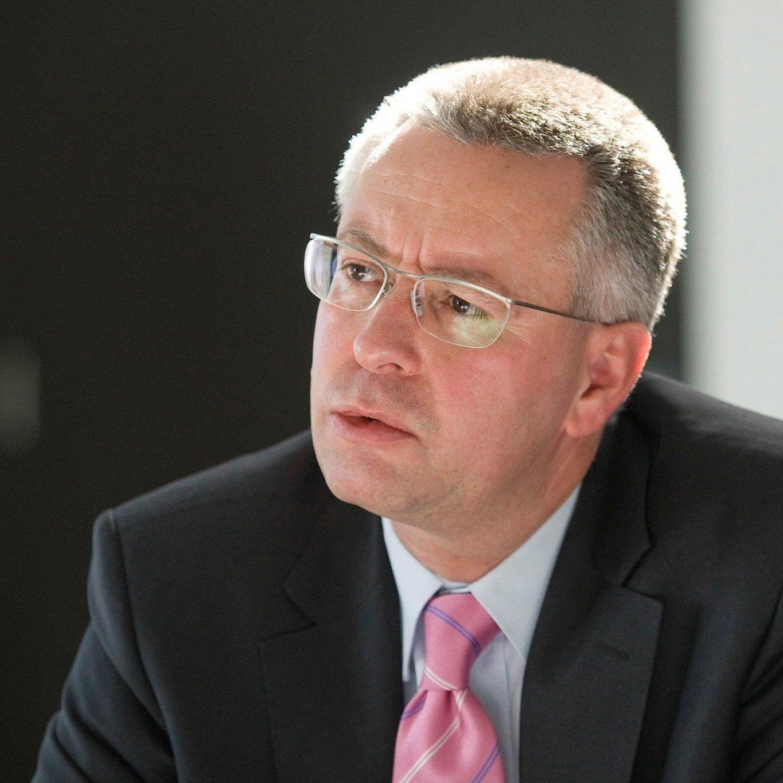 Wolford-CEO Dahmen legt Mandat per sofort zurück, Ende Jänner weg.