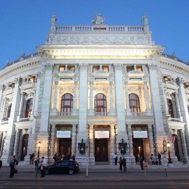 Stantejsky freut sich über Unterstützung des Ensembles des Burgtheaters