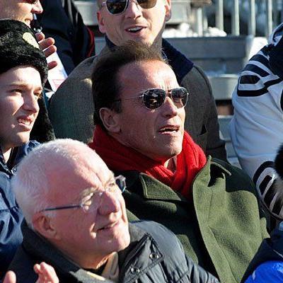 Arnold Schwarzenegger war letztes Jahr mit seinem Sohn beim Hahnenkammrennen.