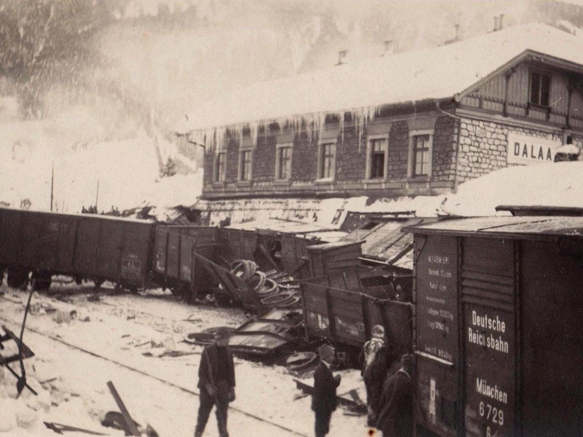 Der Bahnhof Dalaas glich einem Trümmerfeld.