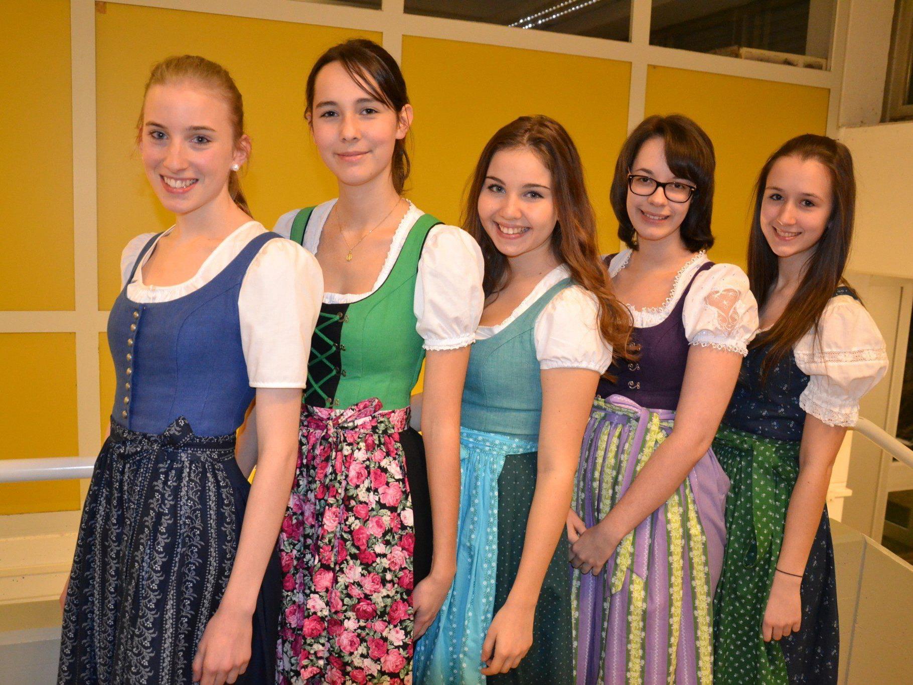 v.l. Elisabeth, Hannah, Lena, Lena und Nadja aus der 4b hießen die Besucher in der HLW willkommen