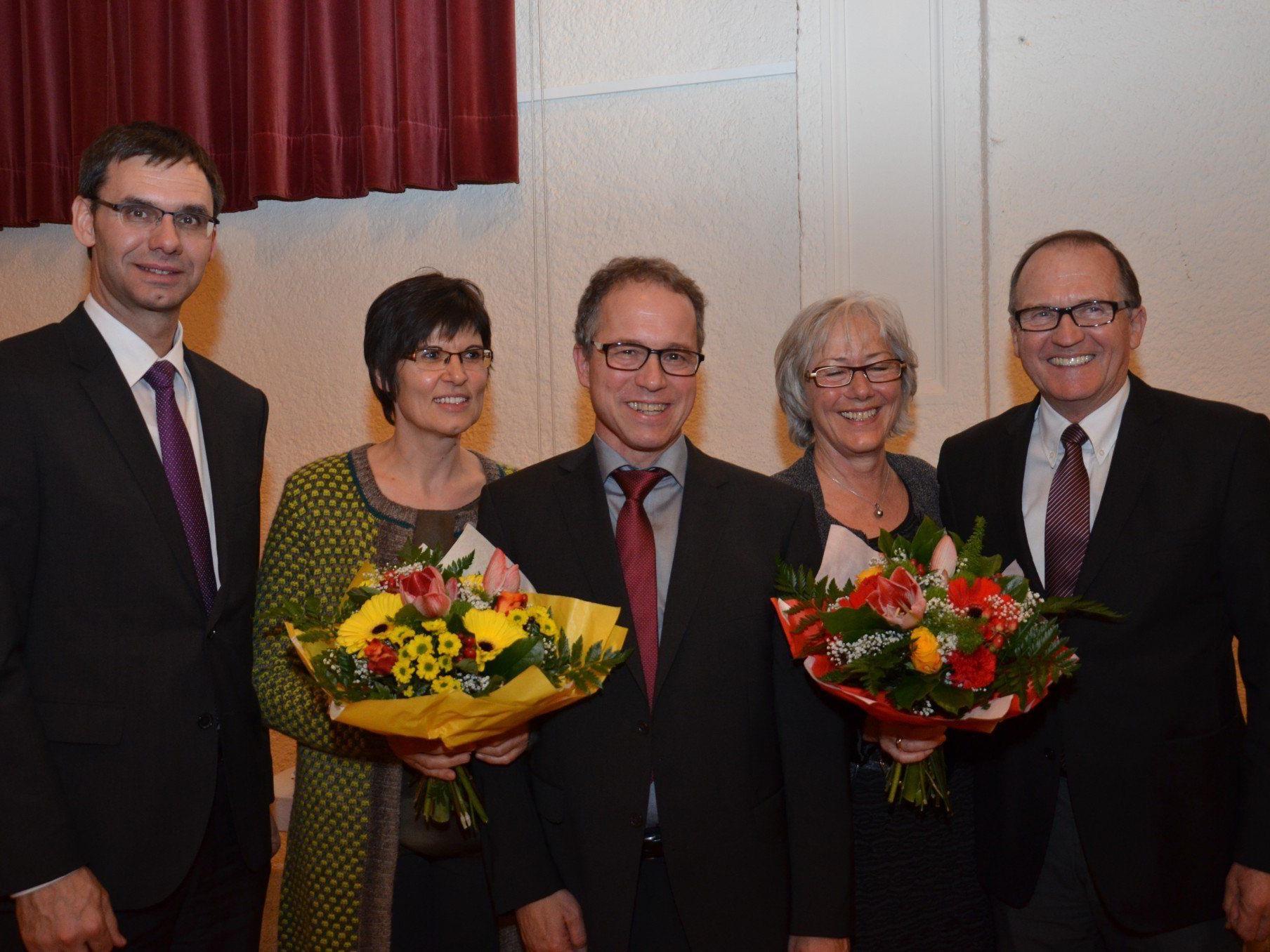 Landeshauptmann Markus Wallner bedankte sich bei Alt-Bürgermeister Norbert Mähr und gratulierte Neo-Gemeindechef Romas Kopf.
