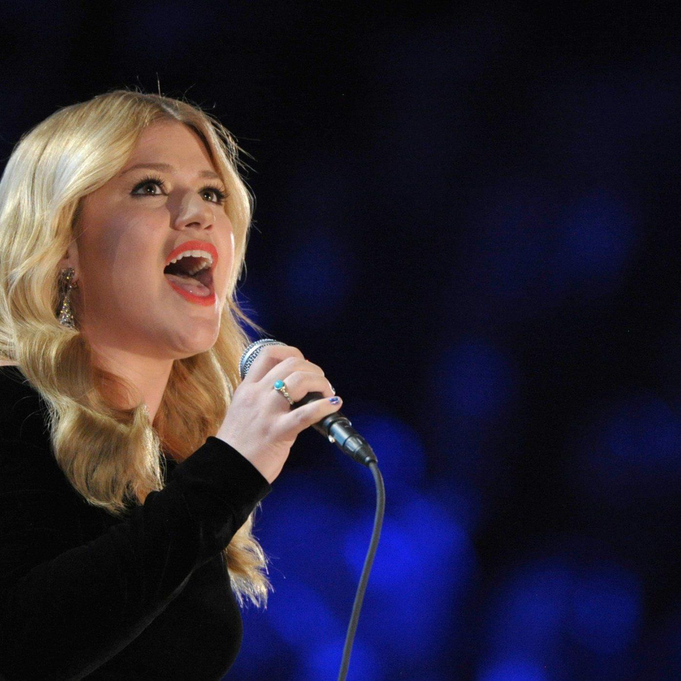 Kelly Clarkson gab offiziell bekannt, dass sie eine Tochter bekommt.