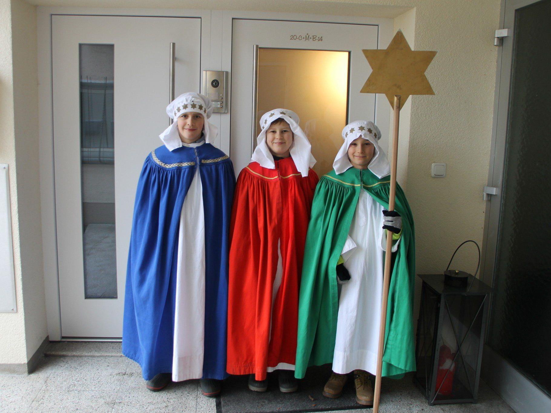Leo, Florian und Johannes als Caspar, Melchior und Balthasar.