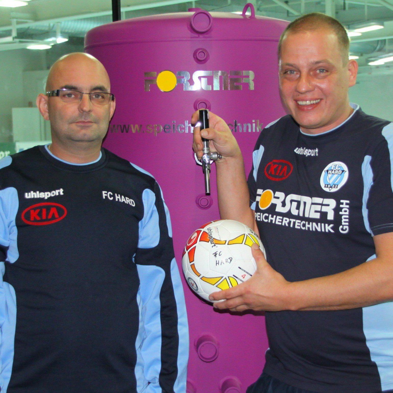 Die OK-Chefs Markus Gritschacher (links) und Markus Gartner können mit der Premiere des Seehallencups zufrieden sein.