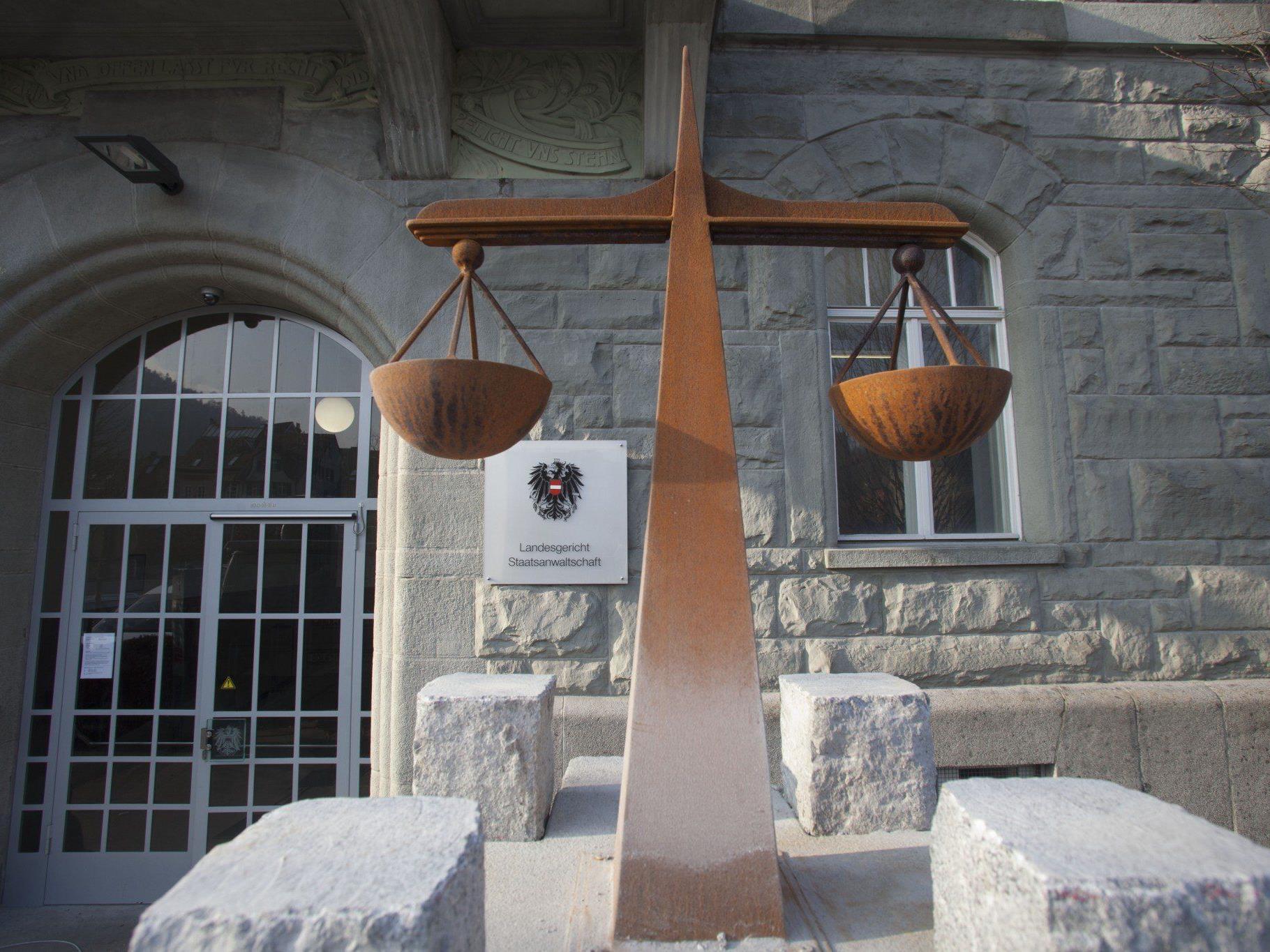Vergewaltigungsprozess am Landesgericht Feldkirch neuerlich vertagt.