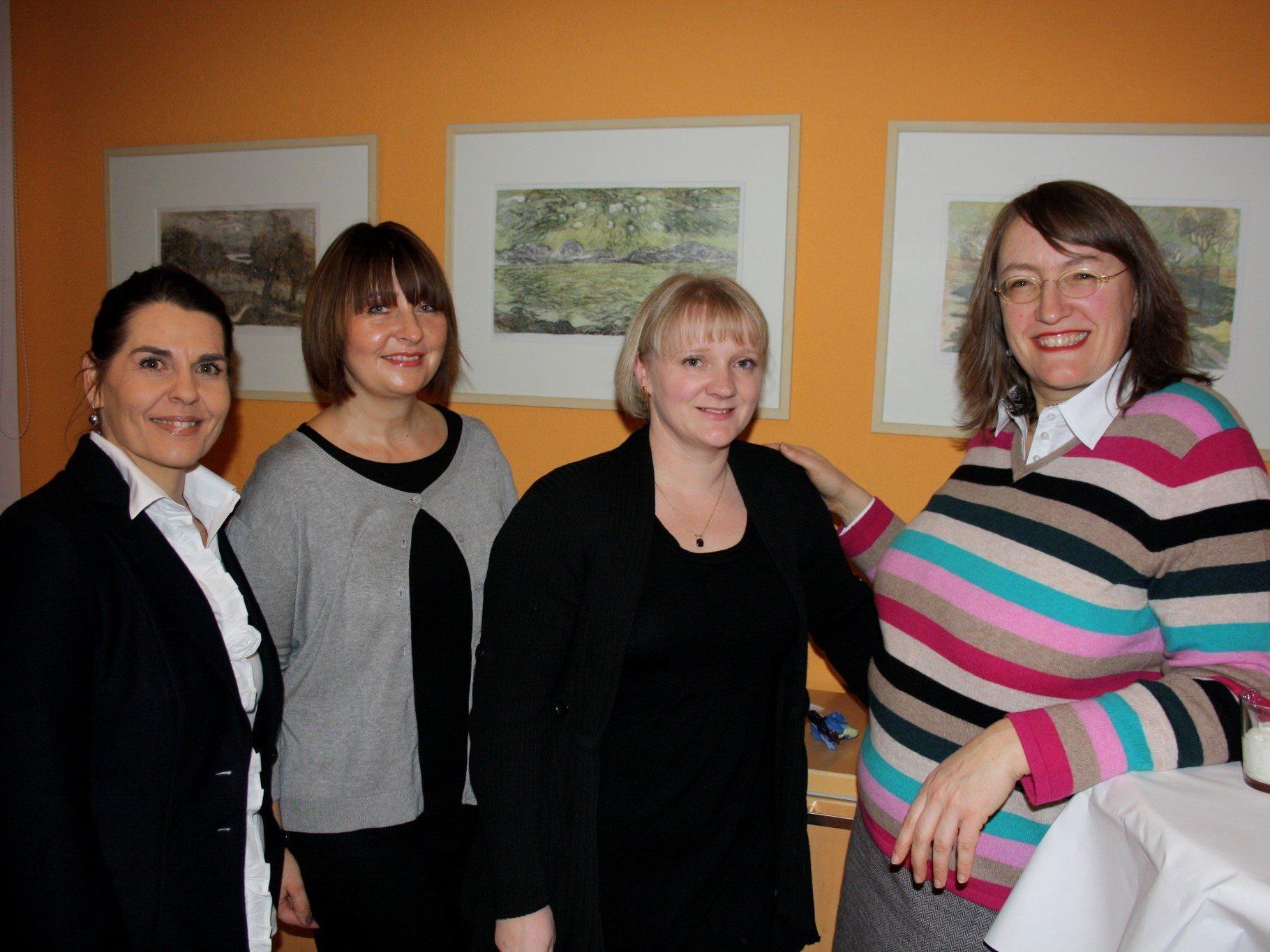 Die neue Ärztin Dr. Sylvia Stuckenberg (rechts) und ihr Team mit Manuela Wackerle, Angelika Stefani und Yvonne Natter.
