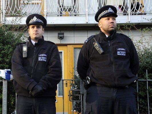 Polizisten in London sollen künftig mit Videokameras ausgestattet sein.