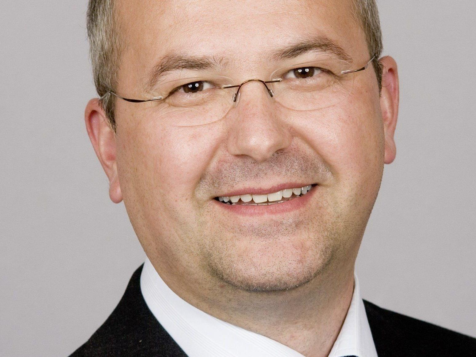 Herr Dkfm. (FH) Stefan Maier