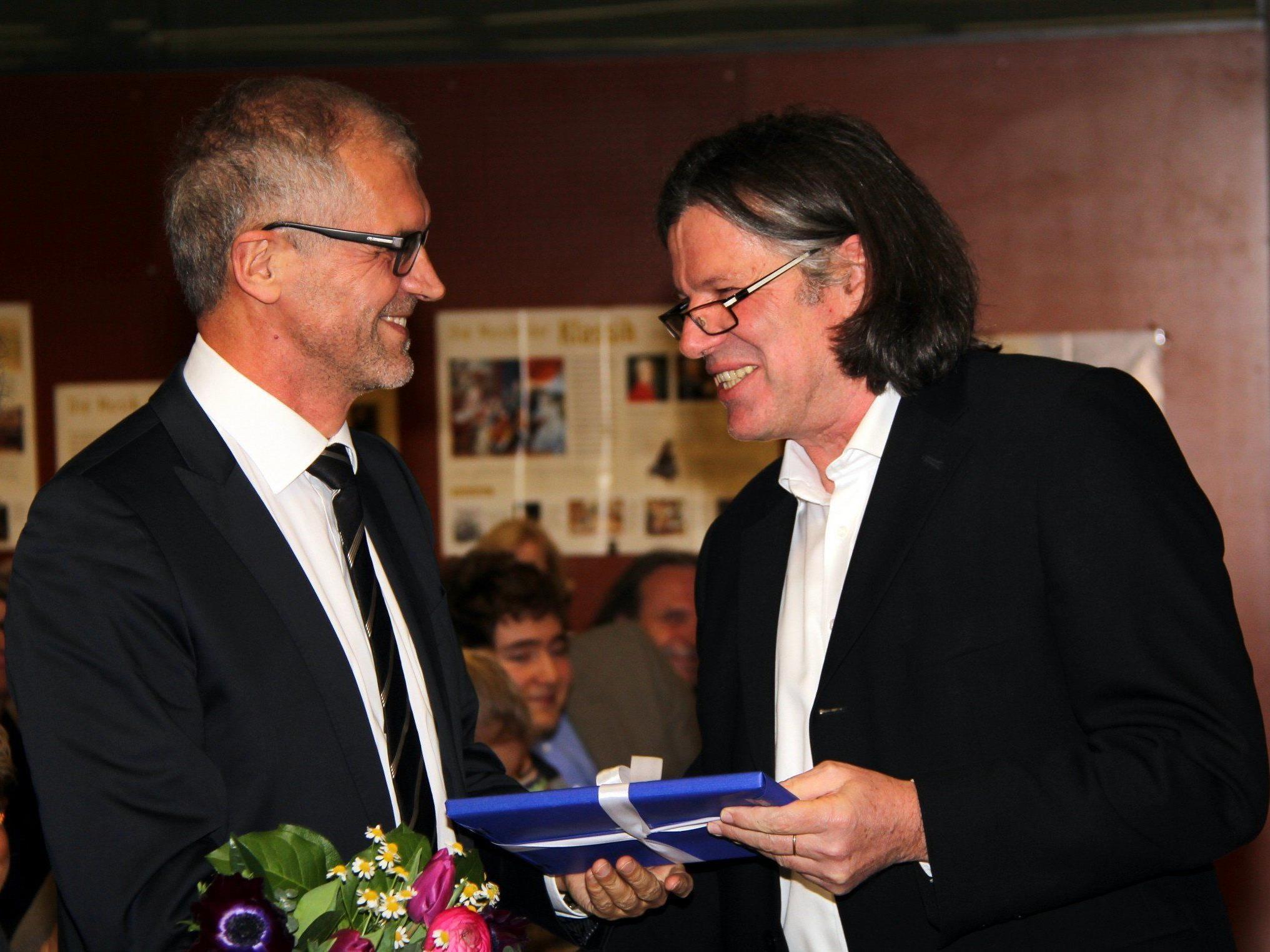 Ulrich Sandholzer verabschiedet seinen Vorgänger