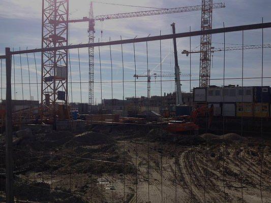 In der Seestadt Aspern ist derzeit noch Baustelle - und auch bis zur Anbindung an die Nordostumfahrung dauert es noch