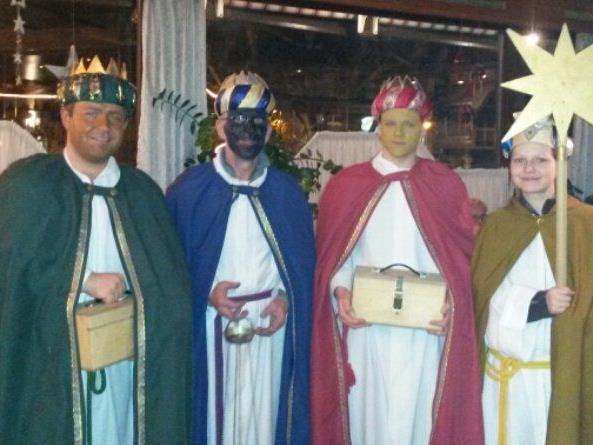 Die Gruppe der erwachsenen Sternsinger der Pfarre Vandans war heuer erstmals unterwegs.