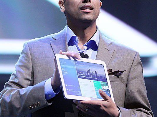 Das Tablet kann unter anderem vier Anwendungen nebeneinander anzeigen.