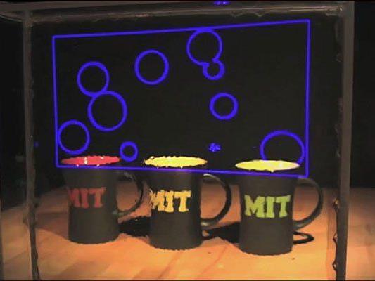 Ein Team des Massachusetts Institute of Technology entwickelte einen neuen Anstatz zur Herstellung von transparenten Displays.
