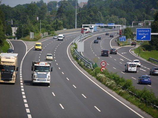 Zwölf Millionen Euro liefern Vorarlbergs Autofahrer ab März zusätzlich ab.