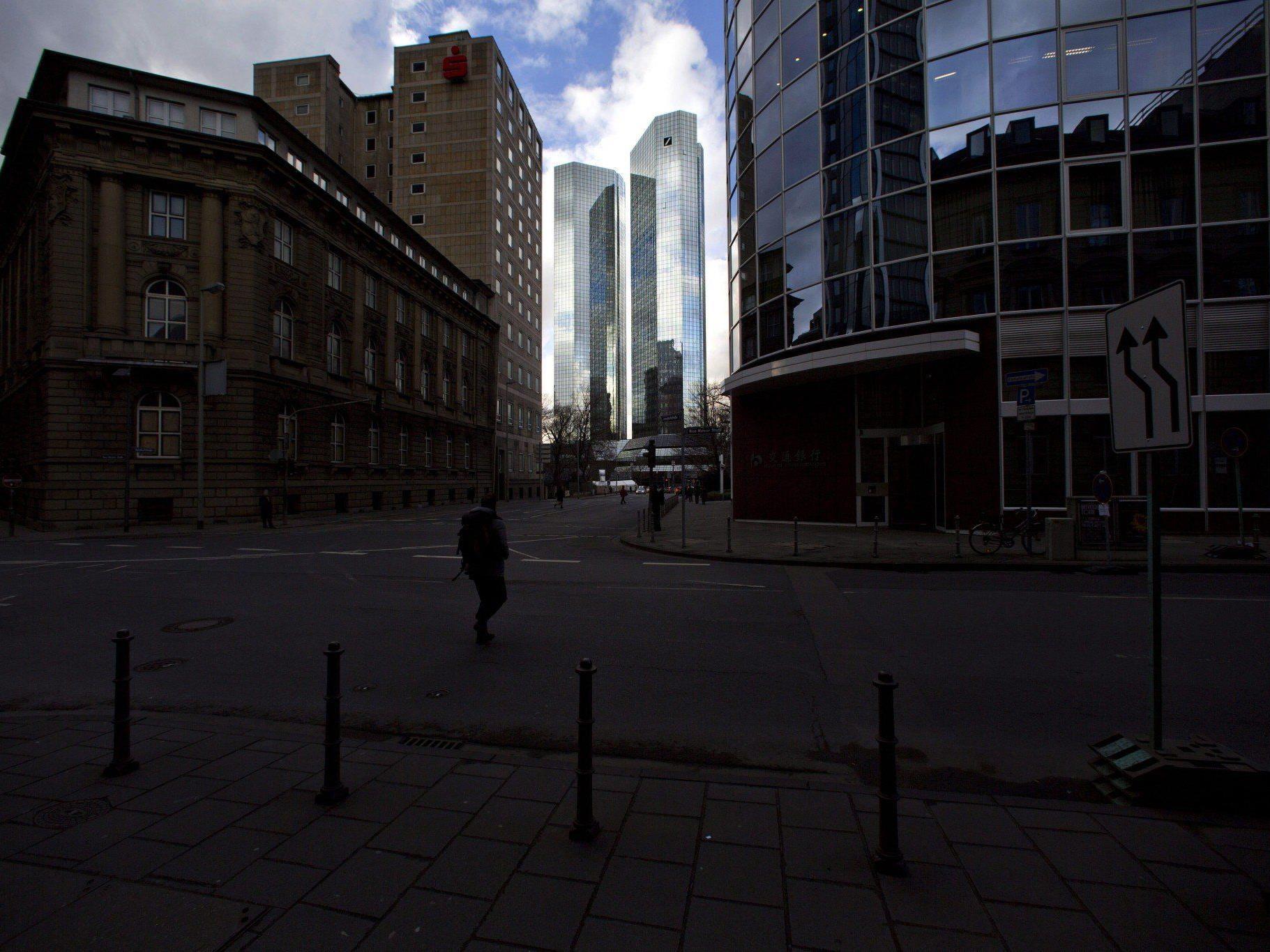 EU-Kommission will Institute zur Auslagerung riskanter Geschäfte zwingen,