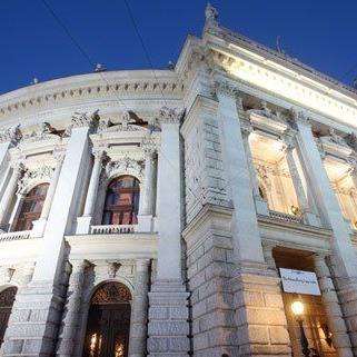Burgtheater: Holding-Chef Springer rechnet mit einstelligem Minus