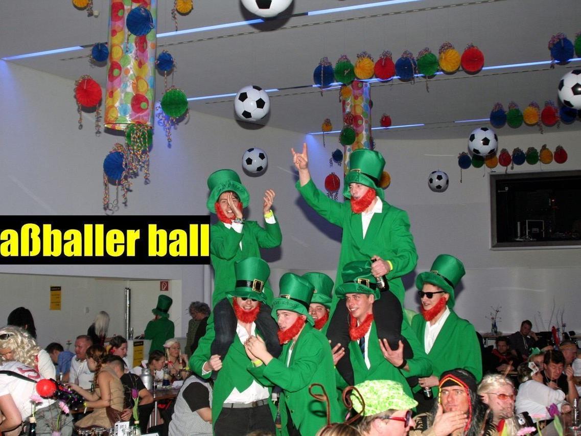 """Tolle Stimmung beim """"fuaßballer ball""""..."""