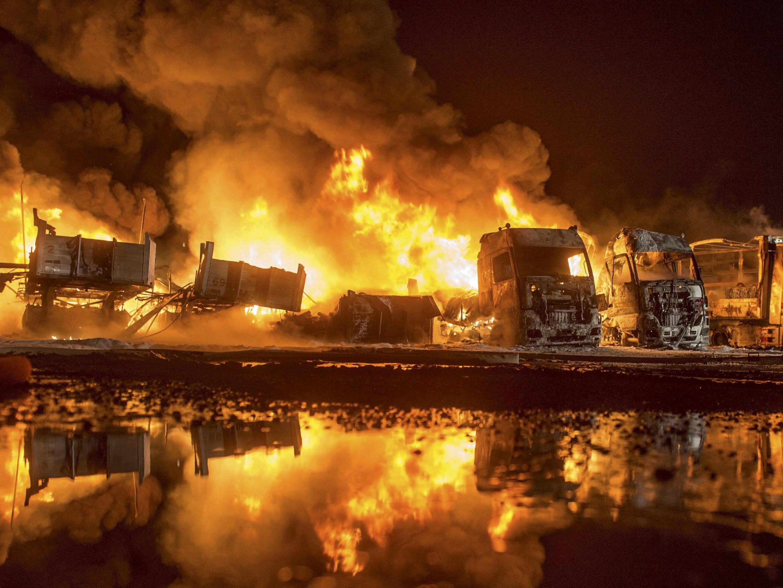 Das möglicherweise gelegte Feuer verursachte einen Schaden von mindestens 250.000 Euro.