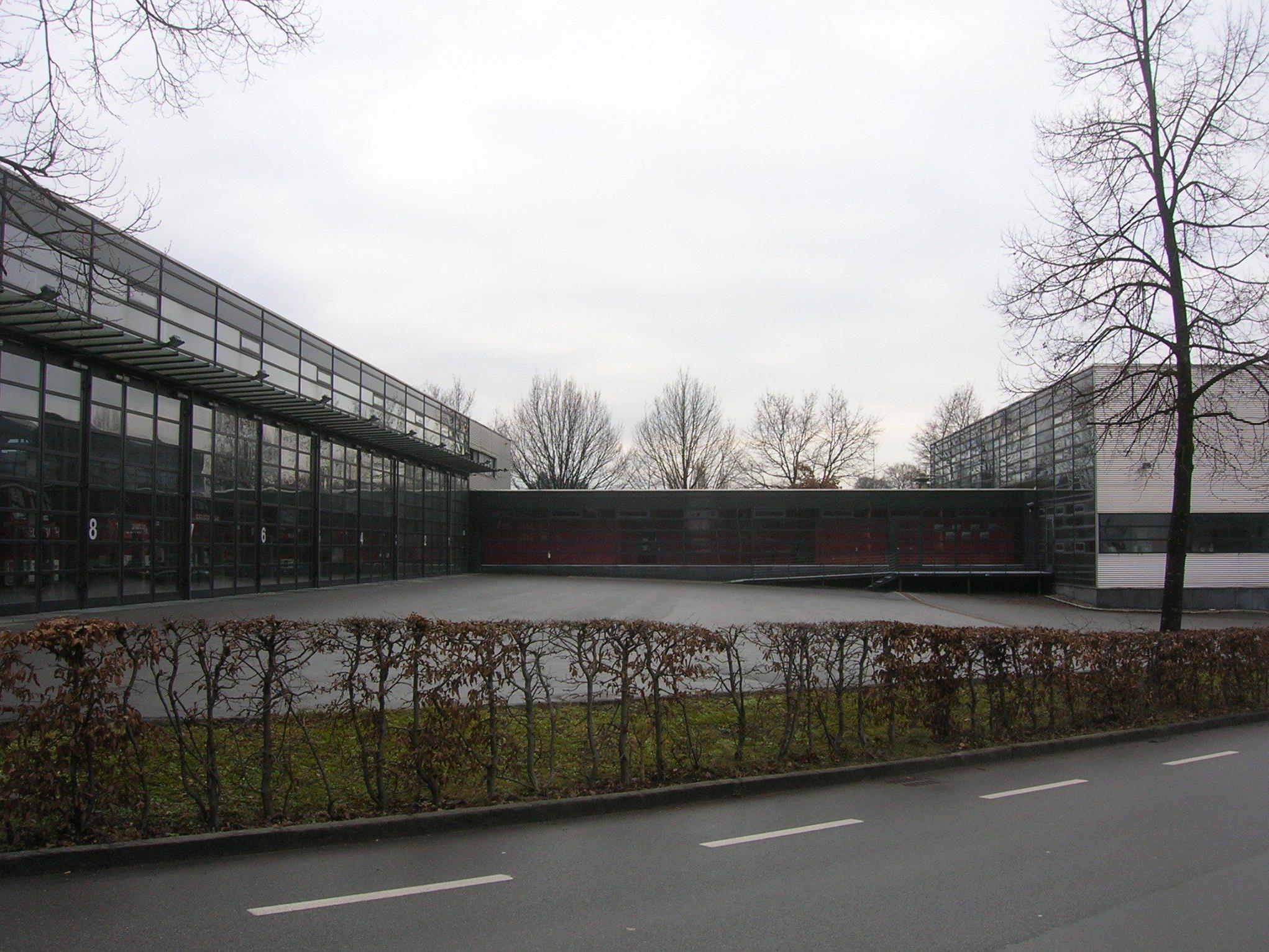 Die Feuerwehrzentrale in der Siegfried-Fussenegger-Straße wurde 1996 eröffnet.