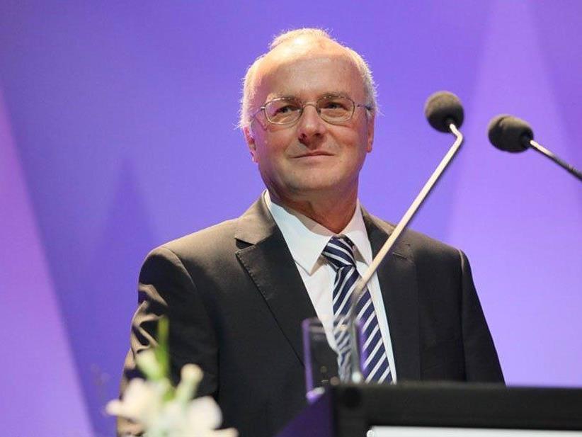 Primar Reinhard Haller informiert zum Thema Narzissmus.
