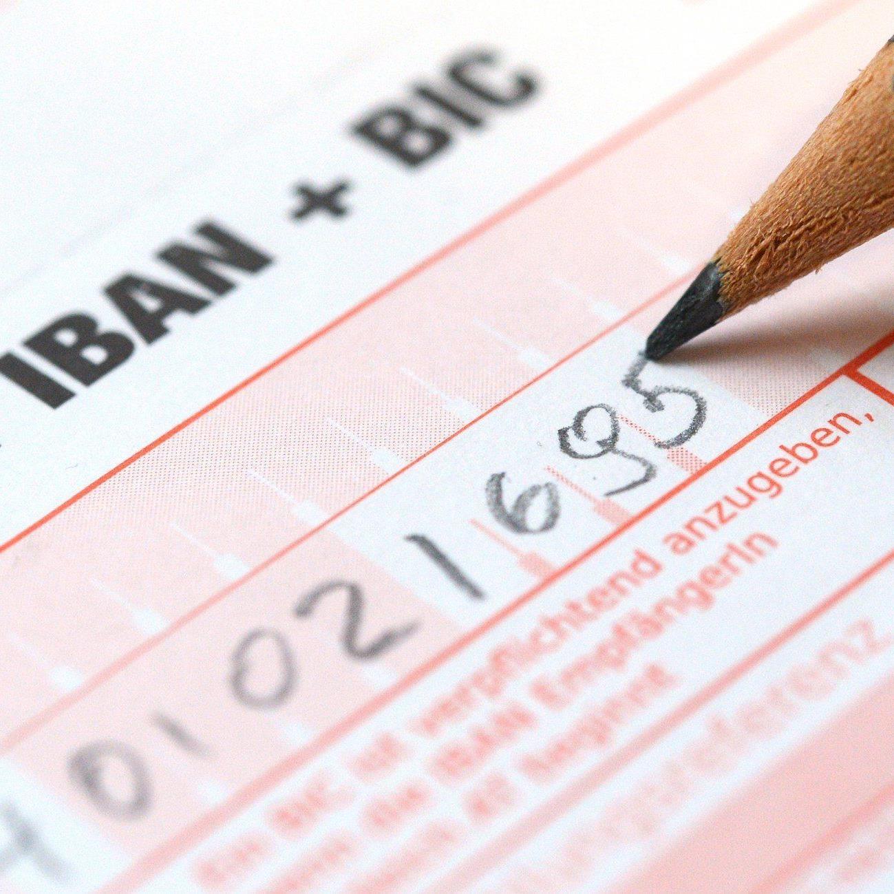 Banken-Appell an Kunden: IBAN und BIC ab sofort verwenden.