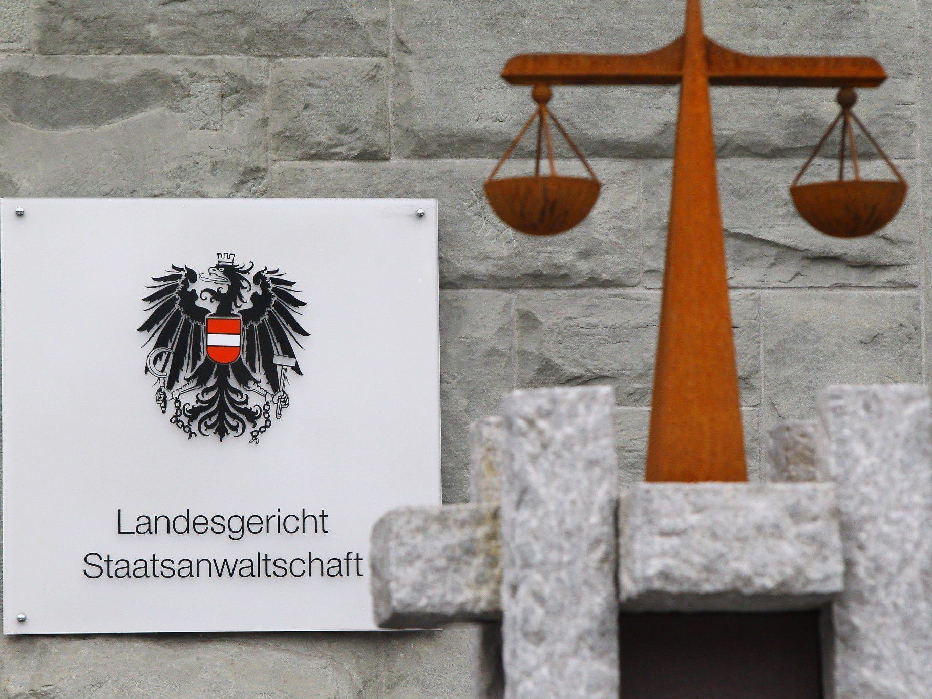 Heuballen-Unfall: Am Dienstag stand der Landwirt vor Gericht.