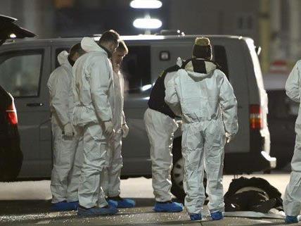 Die Ermittlung nach dem Leichenfund in Ottakring dauern an.