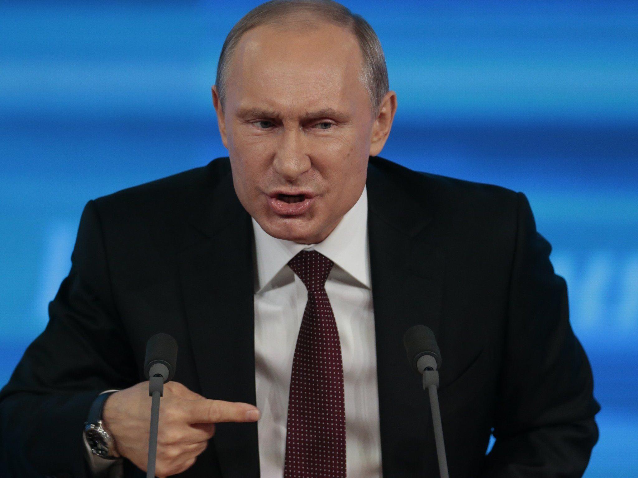 """Wer es mit der Kritik am Kreml übertreibt, wird zur """"persona non grata""""."""